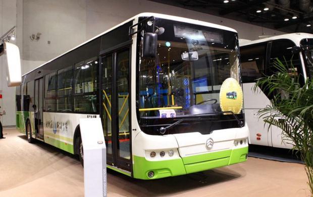 玉柴股份与厦门金龙签约 共同抢占新能源客车市场先机