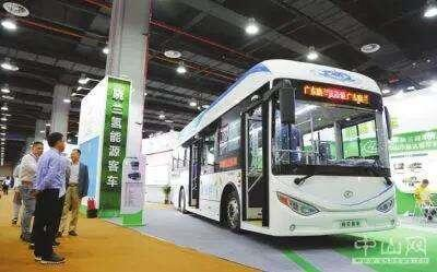 广东晓兰客车旗下首款氢能源客车亮相2018中国(广州)国际电动汽车生态产业链展览会暨全球电动汽车领袖峰会