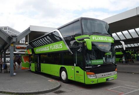 比亚迪电动客车C9续航320KM 为德国首条全电动长途客运车型