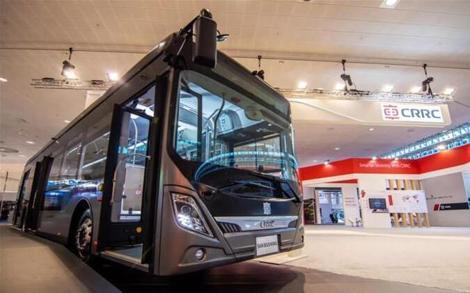 中匈合作生产首辆纯电动公交车亮相匈牙利 配备中车核心驱动系统