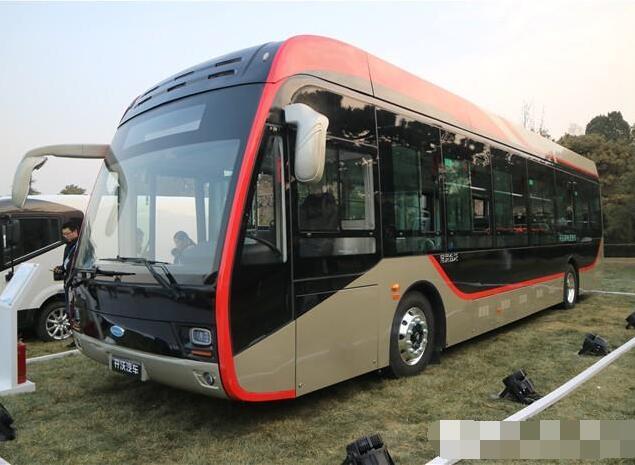 开沃12米纯电动公交车续航300KM 亮相中国电动汽车百人论坛