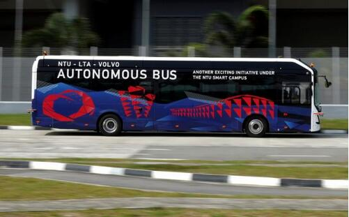 沃尔沃自动驾驶电动巴士客车即将推出 车长12米|满载80名乘客