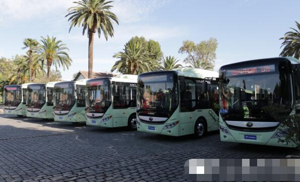 再10辆宇通E8纯电动客车交付智利 宇通E8电动客车续航400KM