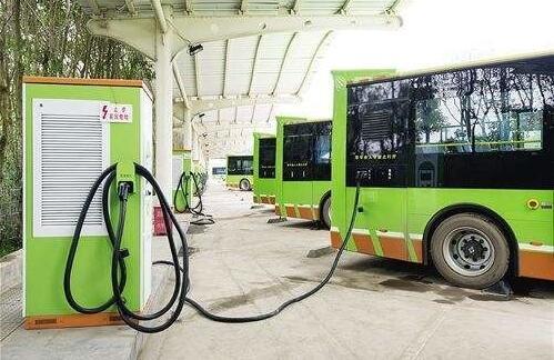 巴黎公交将采购800辆电动公交车 交易高达4亿美元