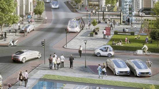 戴姆勒和博世生产无人驾驶计程车