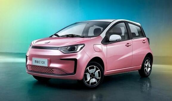 思皓E10X集美版电动汽车已正式上市 售价为6.69-7.64万元