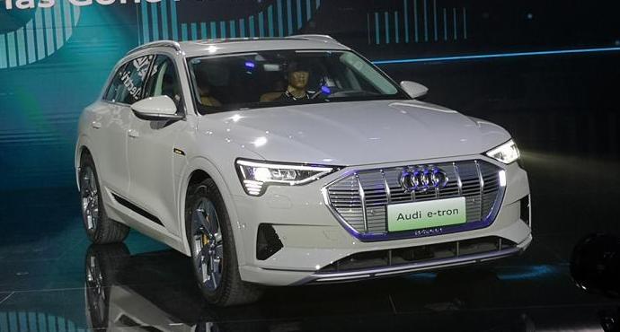 奥迪纯电动车e-tron于11月18日上市 补贴后69.28-80.08万元