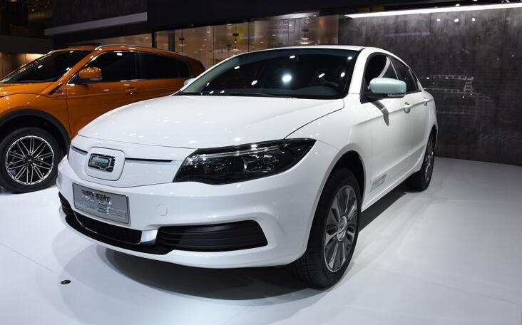 观致3纯电动版在2018广州车展正式上市 综合续航达450公里