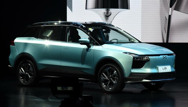 爱驰汽车首款纯电动SUV车型-爱驰U5亮相 最大续航560公里