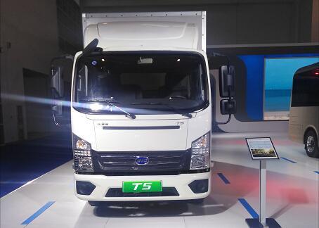 比亚迪电动物流车T5亮相2019世界智能网联汽车大会