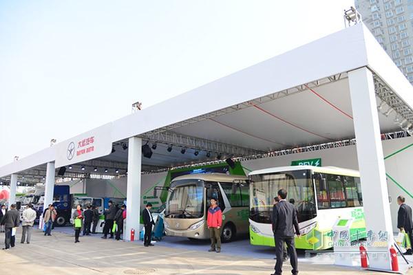 大运全车系纯电动卡车亮相第六届节能环保展