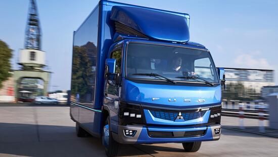 戴姆勒发布首款电动卡车三菱Fuso eCanter 欲挑战特斯拉电动卡车