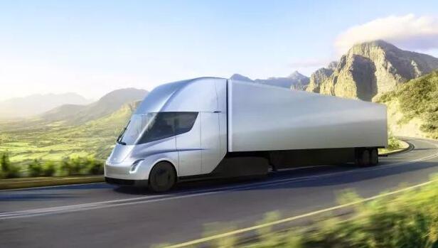 特斯拉发布了赛道试驾Tesla Semi特斯拉电动卡车吸引力项目