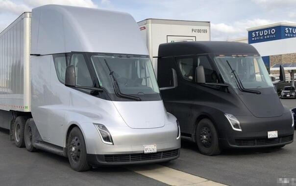 特斯拉Semi纯电动卡车首次路试成功