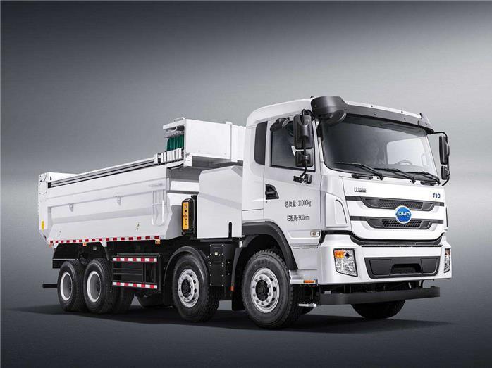 比亚迪向奥克兰港交付第一辆纯电动8TT卡车