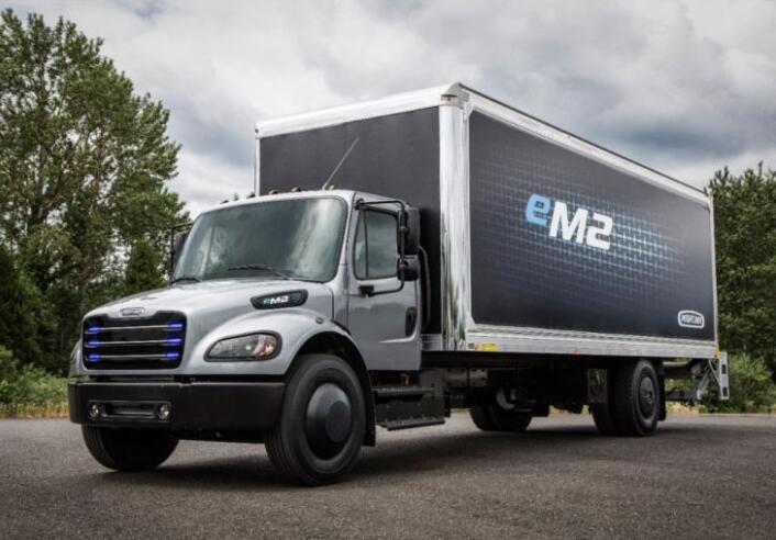 戴姆勒轻型电动卡车Freightliner eM2发布  续航360KM