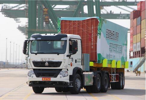 全球首款无人驾驶电动卡车在天津港成功试运营5000多小时