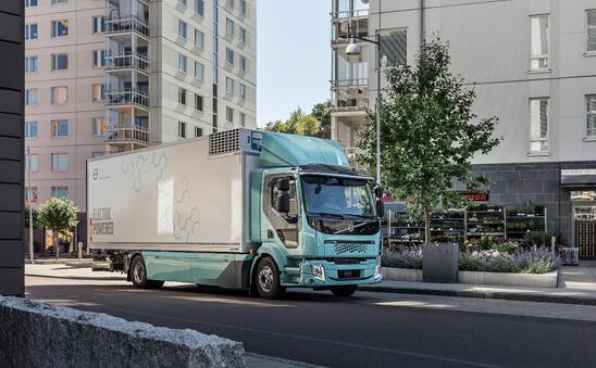 沃尔沃电动卡车将其首批纯电动FL卡车顺利交付首批客户