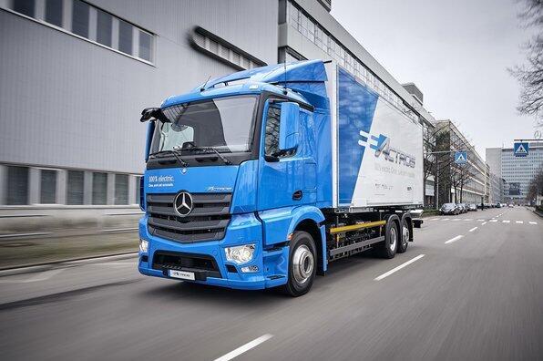 戴姆勒研发eActros电动卡车获德国政府支持  续航200km