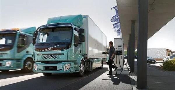 国外电动卡车PK:特斯拉Semi/达夫纯电动CF/沃尔沃纯电动FL等