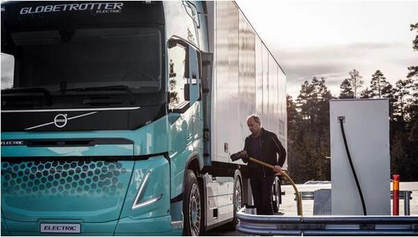 沃尔沃卡车针对欧洲市场开发两款电动概念卡车