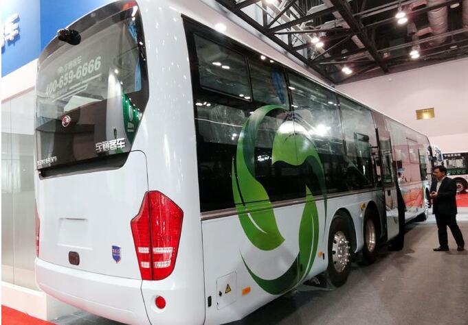 深圳明年1.5万辆公交车全换成纯电动汽车 2020年出租车全面电动化