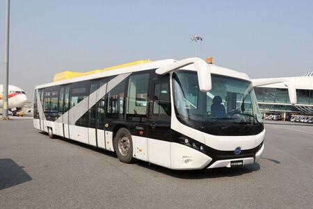 比亚迪纯电动摆渡车投放深圳机场