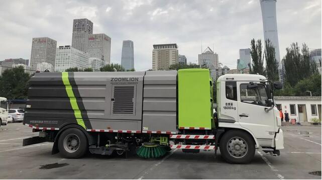 中联电动环卫车暨纯电动洗扫车发往北京 等速续驶超320公里