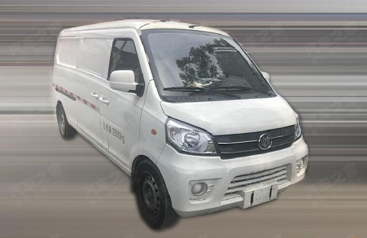 福汽启腾电动物流车M70L EV实车图曝光 续航或超220公里