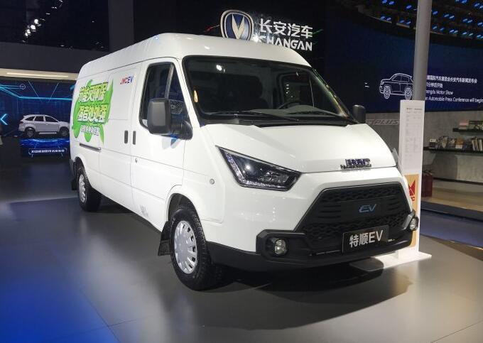江铃电动物流车-特顺EV亮相2018成都车展 综合续航300km
