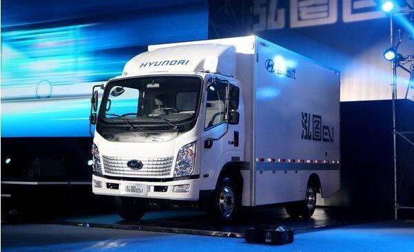 四川现代旗下首款电动物流车泓图EV发布 最大续航430公里
